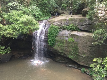 Baden bei den Buderim Falls
