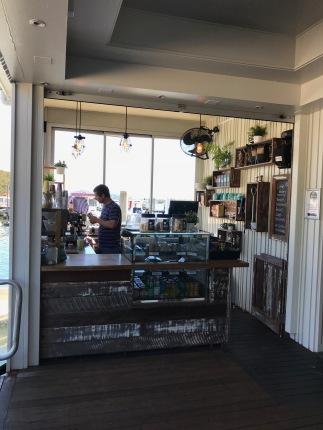 Diese kleinen Coffeeshops hat es hier überall! LOVE IT!
