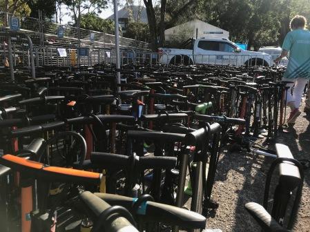 Am Triathlon hat jeder seine eigene Pumpe dabei :o))